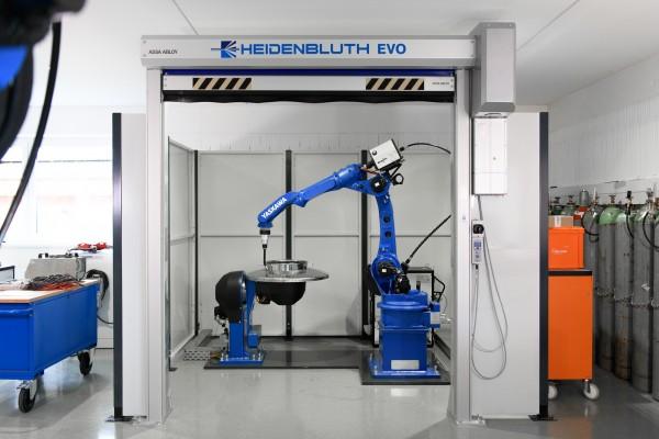 Heidenbluth ARC World EVO Roboterschweißanlage mit Dreh - Kipp-Tisch für MIG/MAG oder WIG Schweißver