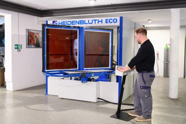 Heidenbluth ARC World ECO Kompakte Roboterschweißanlage mit 2 Stationen Drehtisch